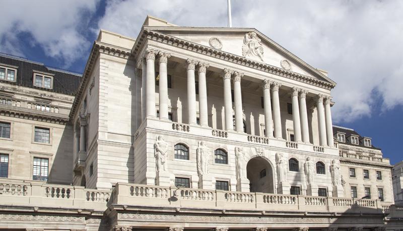 همه تردیدهای خرید بیتکوین/ آیا بیت کوین بانکهای مرکزی را دور میزند؟