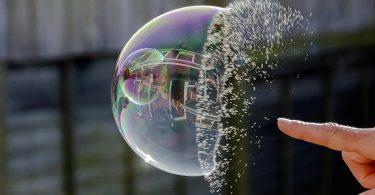 چرا و چگونه حباب قیمتی ارزدیجیتال میترکد؟2