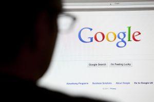 رابطه جستجوهای گوگل و قیمت بیت کوین