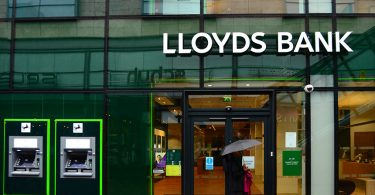 بانک لویدز بریتانیا، خرید بیتکوین با کارت اعتباری را ممنوع کرد!