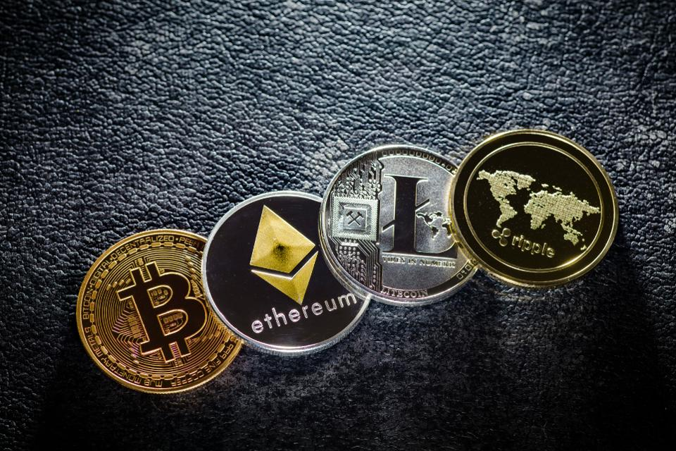 سه کار که وقتی قیمت بیت کوین پایین میآید نباید انجام دهید !