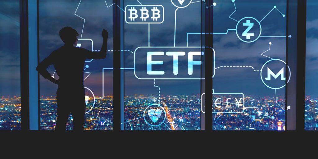 شانس پذیرش ETF برای بیت کوین 90 درصد است !