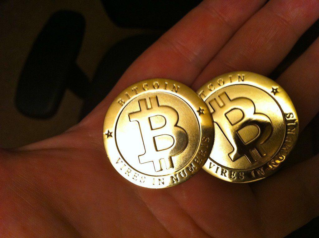 بررسی سایت لوکال بیت کوینز (Localbitcoins); خرید بیت کوین بدون ترس از کلاهبرداری !