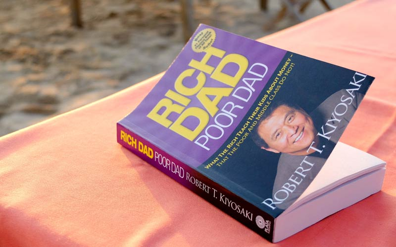نویسندهی کتاب «پدر پولدار، پدر فقیر»: بیت کوین جایگزین دلار میشود!