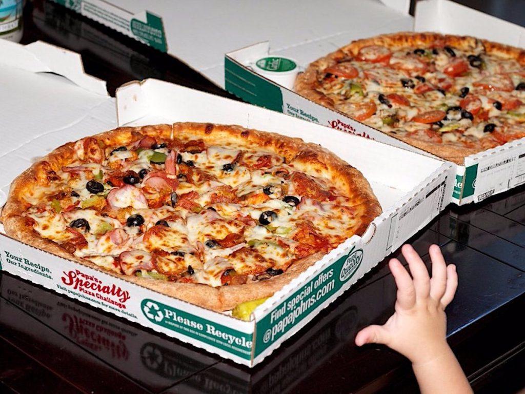 bitcoin pizza 1024x768 - گنجینههای اسرار؛ ۹ آدرس کیف پول معروف بیت کوین