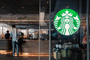 غیررسمی: غول قهوه جهان، استارباکس بیت کوین را میپذیرد !