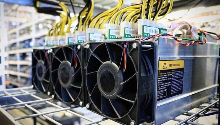 نایب رئیس سندیکای صنعت برق: استخراجکنندگان ارز دیجیتال باید هزینه برق را با نرخ واقعی بپردازند