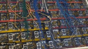 کشف مرکز بزرگ استخراج بیت کوین در ورامین؛ اخذ ۹ میلیارد تومان مابهالتفاوت هزینه برق!