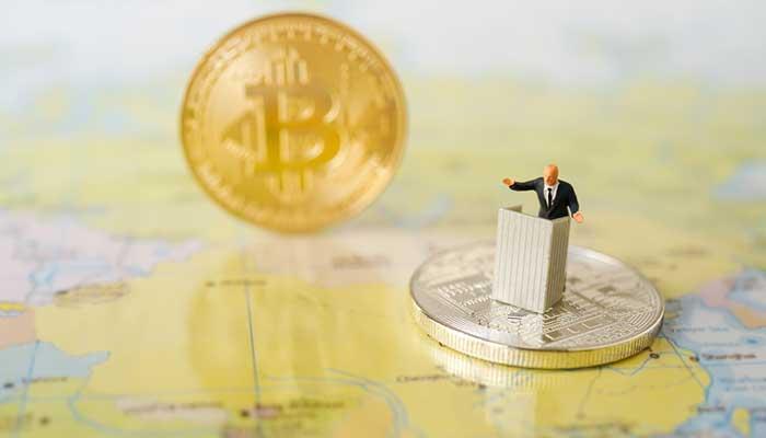جنگهای اقتصادی و تجاری، اقتصاد جهانی وابسته به دلاری را تضعیف میکند و بیت کوین را به عنوان جایگزین سیستم موجود مطرح میکند.