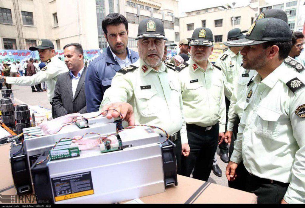 توقیف دستگاههای استخراج بیت کوین توسط پلیس