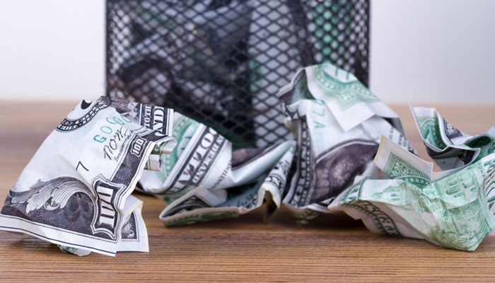 دلار سطل زباله