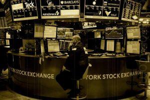 وضعیت خطرناک در بازارهای آمریکا؛ آیا قیمت بیت کوین منفجر میشود؟