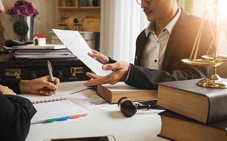مشاور حقوقی در حوزه بلاک چین