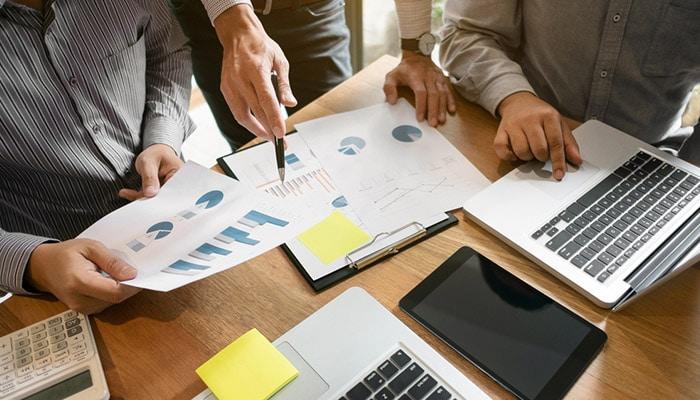 تحلیل فاندامنتال ارزیابی پروژه و جنبههای مختلف آن با هدف تعیین یک ارزش حقیقی در زمان حال یا ارزش احتمالی در آینده است