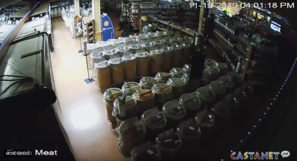 تصویر گرفته شده از دوربین فروشگاه