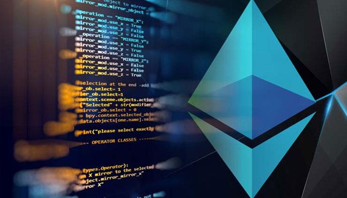 سالیدیتی زبان برنامه نویسی شیءگرایی است که در قراردادهای هوشمند این پروتکل مورد استفاده قرار میگیرد