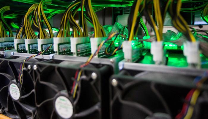 بیت کوین قانونی است بیت کوین چیست و چگونه کار می کند قیمت دستگاه استخراج بیت کوین antminer s9 کیف پول بیت کوین btc انتقال بیت کوین از btc به کیف پول کسب درآمد از بیت کوین استخراج بیت کوین