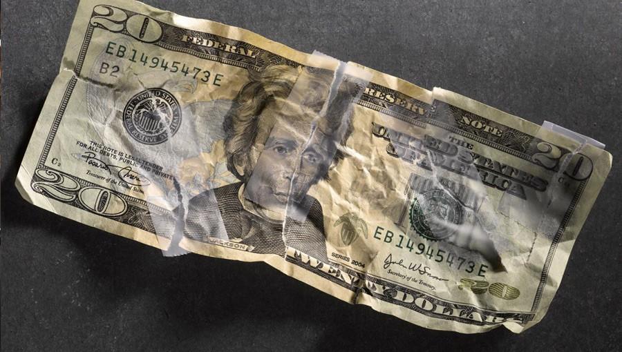 بدهی خانوارهای آمریکایی رکورد زد؛ ریسک بحران مالی بیشتر و بیشتر میشود