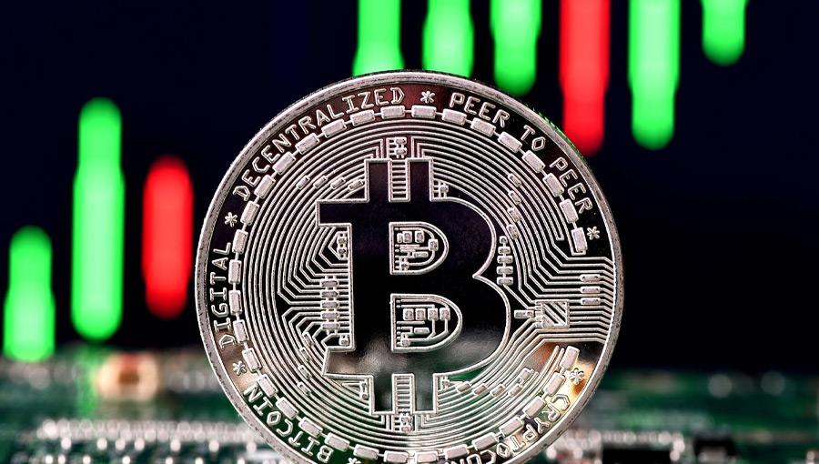 قیمت بیت کوین به ۱۳,۲۰۰ دلار رسید؛ حرکت بعدی چیست؟