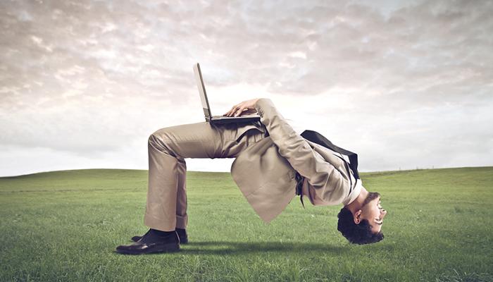 چگونه زمان کار خود را به یک سوم کاهش دادم؛ ۸ تصمیم برای تغییر ذهنیت مالی